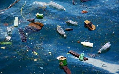Plásticos del turismo Mediterráneo